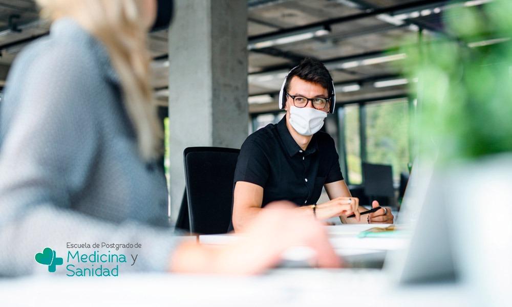 Qué es el contagio por aerosoles y cuál es su incidencia sobre el Covid-19