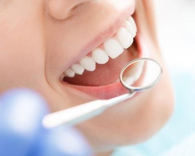 Conviértete en Auxiliar de Odontología con esta formación especializada
