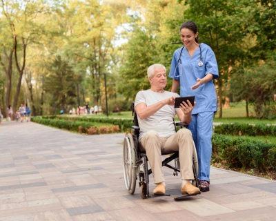 Fórmate con el Máster en Cuidados de Discapacitados Físicos y Psíquicos + Movilización de Enfermos y especialízate en este ámbito de la salud