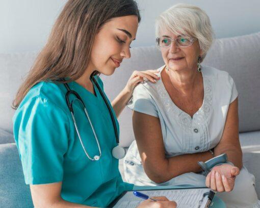 Estudiar el Máster en Enfermería y Alzheimer