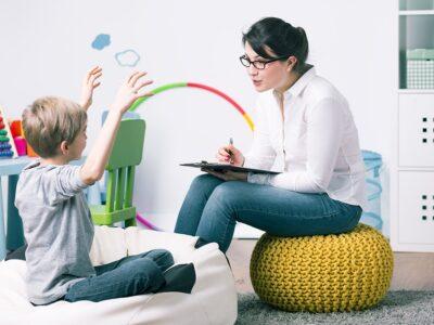 Estudiar el Máster en Auxiliar de Pediatría + Máster en Psicología Infantilpara comprender el desarrollo del niño e identificar las diferentes patologías infantiles