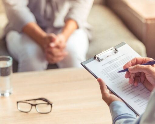 Estudiar el doble Máster Salud Mental + Intervención Social en Drogodependencias para abordar los trastornos relacionados con el consumo de sustancias